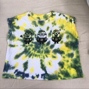 Minion cuffed crop shirt
